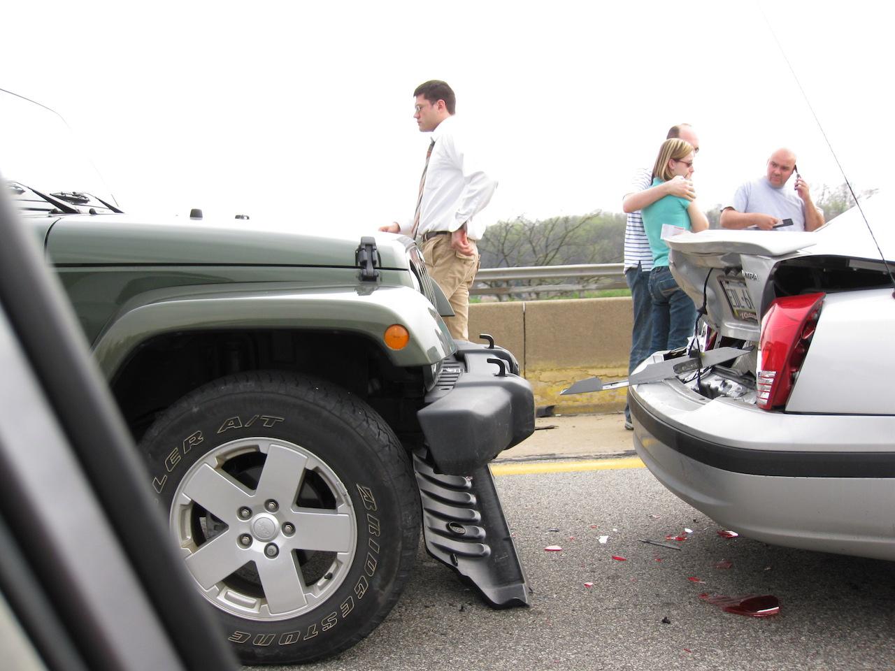 發生車禍該怎麼辦?如何報案?去警局做筆錄要注意什麼?
