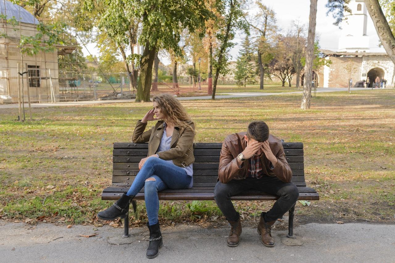 離婚前有負債,離婚後該由夫妻誰來還?