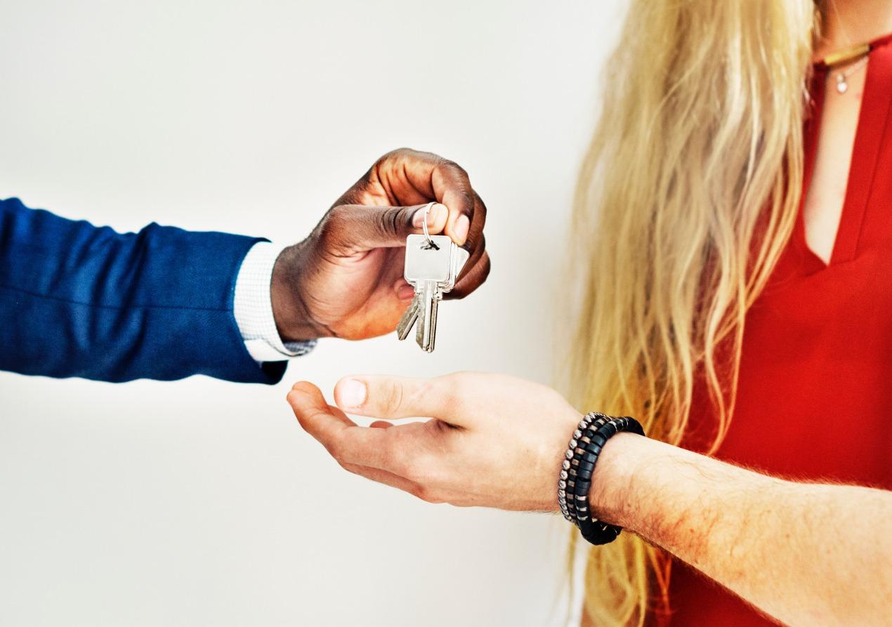 房屋買賣請找履約保證,律師分析房屋詐欺!
