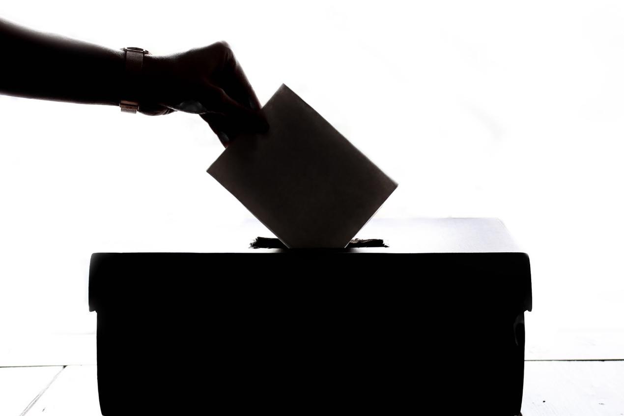 中選會邊投票邊開票有沒有違法?邊投票邊開票合理嗎?