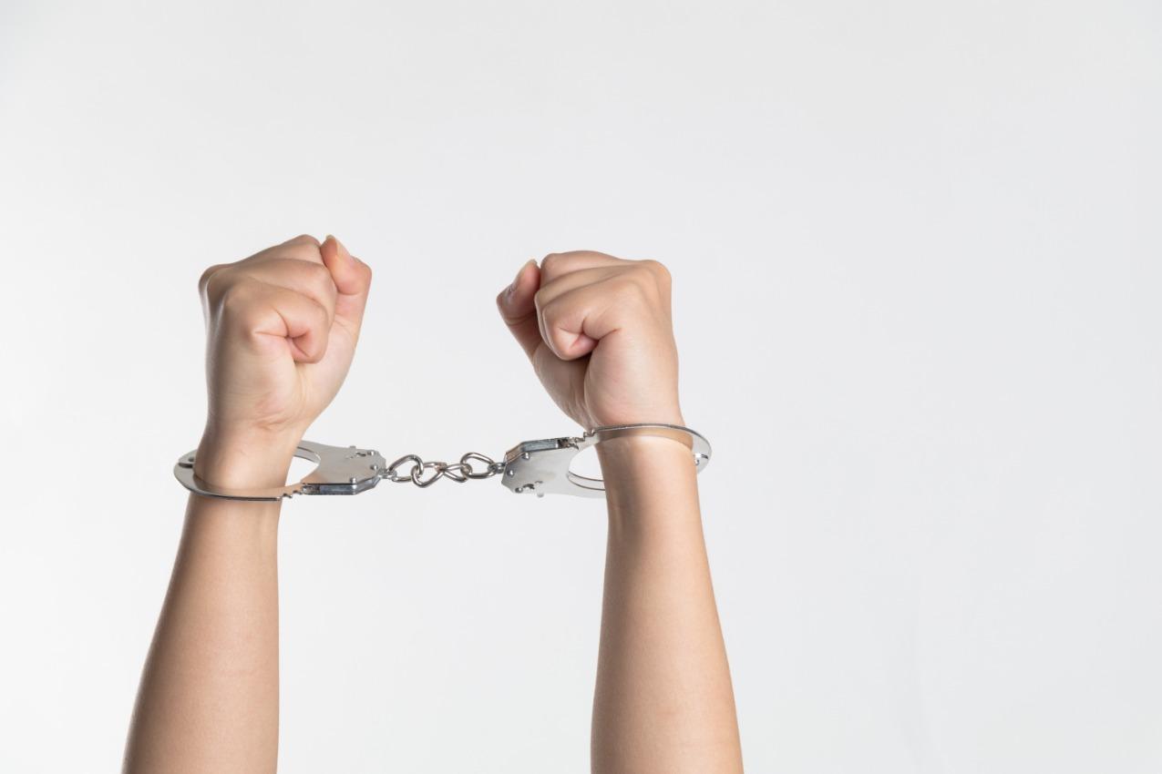 在國外坐完牢,回國內還要坐牢嗎?什麼是屬人主義?
