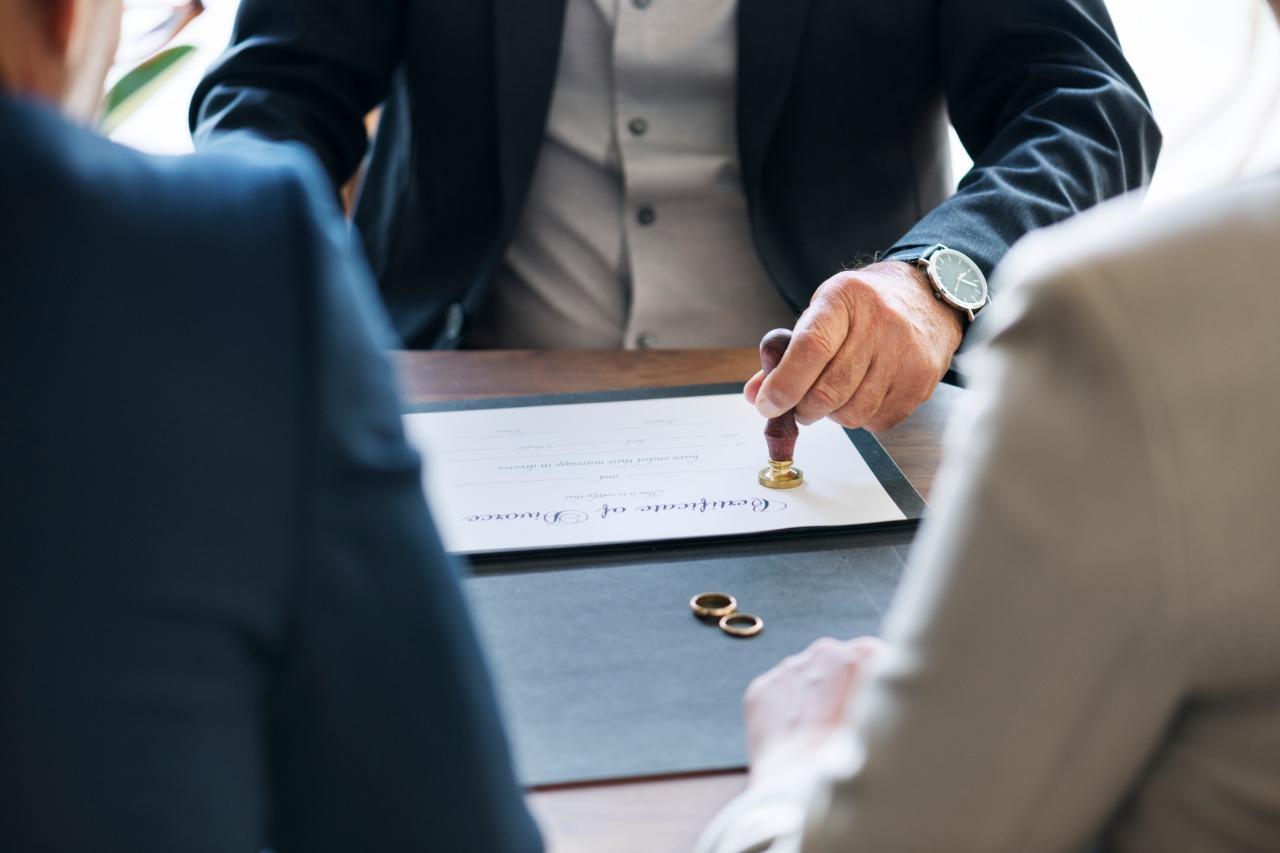 離婚協議書要怎麼寫?協議離婚應需要證人嗎?律師完整說明